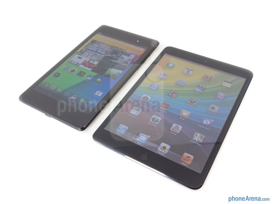The sides of the Google Nexus 7 (left, top) and the Apple iPad mini (right, bottom) - Google Nexus 7 (2013) vs Apple iPad mini