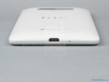 The microUSB port is on the bottom - HTC Desire 600 Review