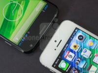 Motorola-Moto-X-vs-Apple-iPhone-5003