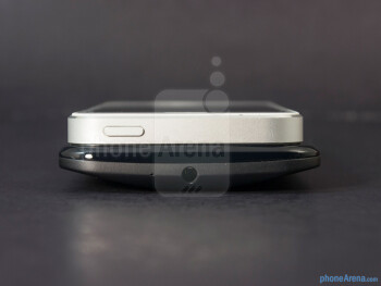 The sides of the Motorola Moto X (left, bottom) and the Apple iPhone 5 (right, top) - Motorola Moto X vs Apple iPhone 5