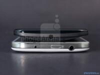 Motorola-Moto-X-vs-Samsung-Galaxy-S4005