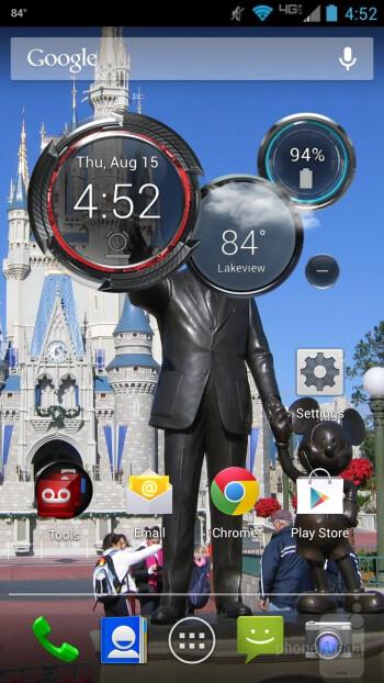 The Motorola DROID MAXX runs a pretty close to stock Android 4.2.2 Jelly Bean - Motorola DROID MAXX Review
