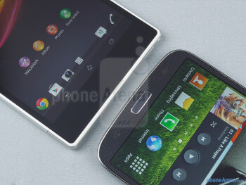 Android buttons - The Sony Xperia Z Ultra (left) and the Samsung Galaxy Mega 6.3 (right) - Sony Xperia Z Ultra vs Samsung Galaxy Mega 6.3