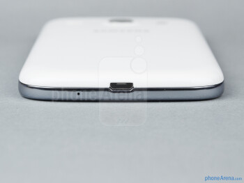 microUSB port (bottom) - The sides of the Samsung Galaxy Core - Samsung Galaxy Core Review
