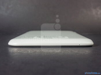 The sides of the Lenovo IdeaTab A1000 - Lenovo IdeaTab A1000 Review