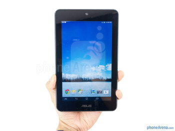 The Asus MeMo Pad HD 7 proves to be easy on the hands when held - Asus MeMo Pad HD 7 Review