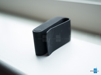 The rubbery clip holster of the the Withings Pulse - Withings Pulse Review