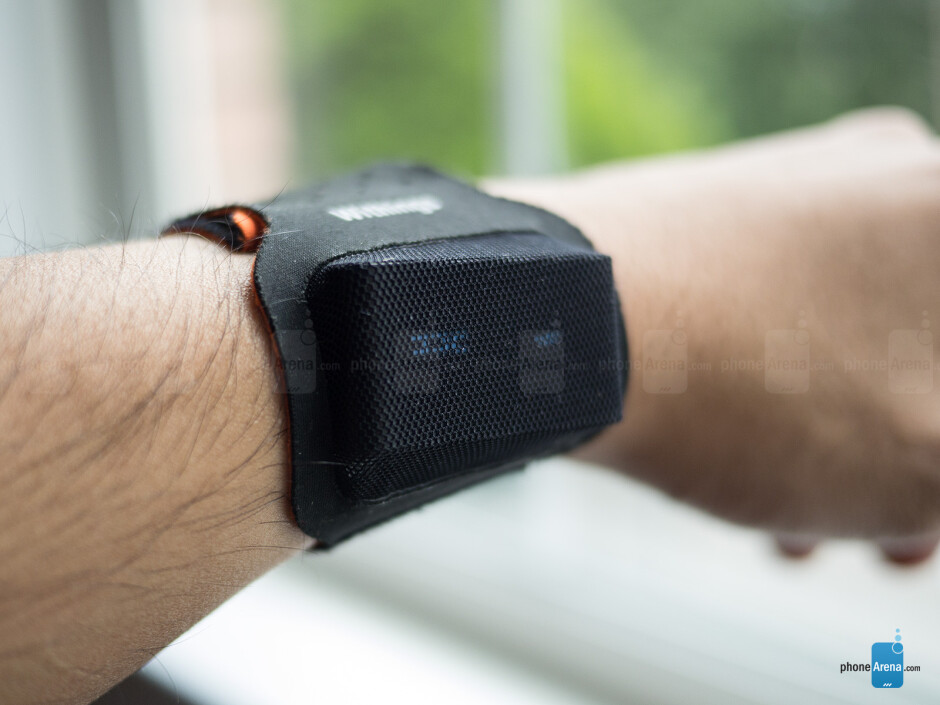 The fabric-like wrist strap accessory - Withings Pulse Review