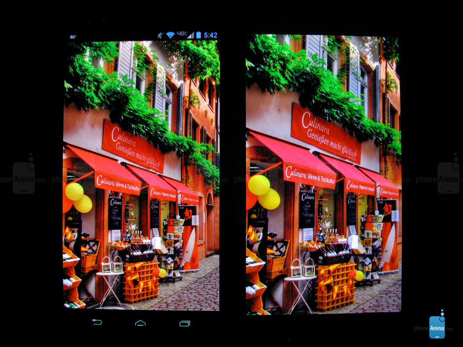 Viewing angles of the Motorola DROID Ultra (left, top) and the Samsung Galaxy S4 (right, bottom) - Motorola DROID Ultra vs Samsung Galaxy S4