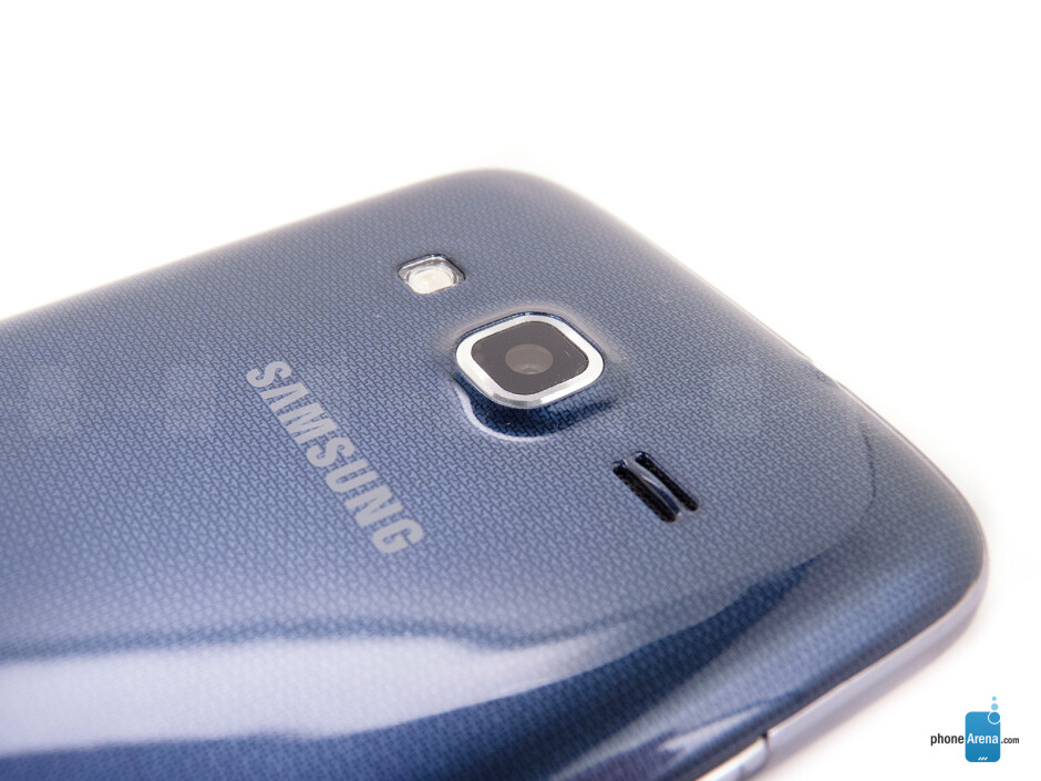 Rear camera - The sides of the Samsung ATIV S Neo - Samsung ATIV S Neo Review