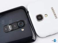 LG-G2-vs-Samsung-Galaxy-S4003