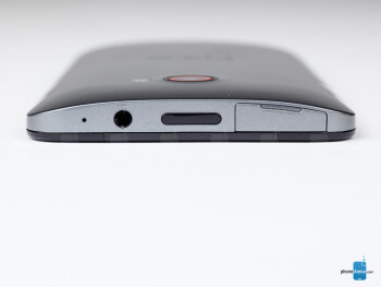 Top - The sides of the HTC Butterfly S - HTC Butterfly S Review