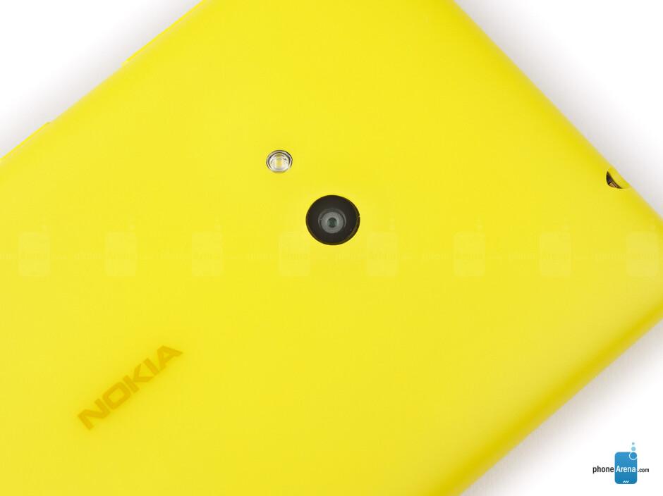 Rear camera - Nokia Lumia 625 Review