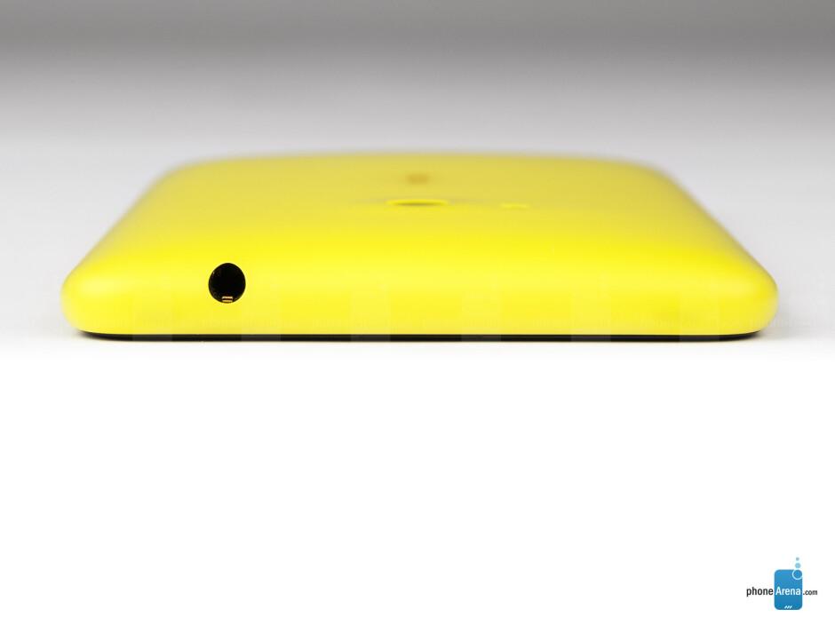 The sides of the Nokia Lumia 625 - Nokia Lumia 625 Review