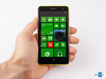 The Nokia Lumia 625 is a large device and not something you'd be able to easily use single-handedly - Nokia Lumia 625 Review