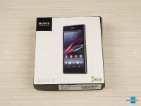 Sony-Xperia-Z1-Review001-box
