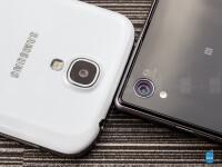 Sony-Xperia-Z1-vs-Samsung-Galaxy-S403
