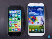 Apple-iPhone-5s-vs-Samsung-Galaxy-S4001