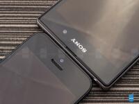 Sony-Xperia-Z1-vs-Apple-iPhone-504