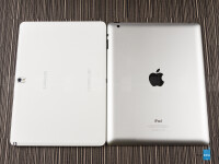 Samsung-Galaxy-Note-10.1-2014-vs-Apple-iPad-4003