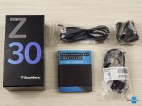 BlackBerry-Z30-Review002-box
