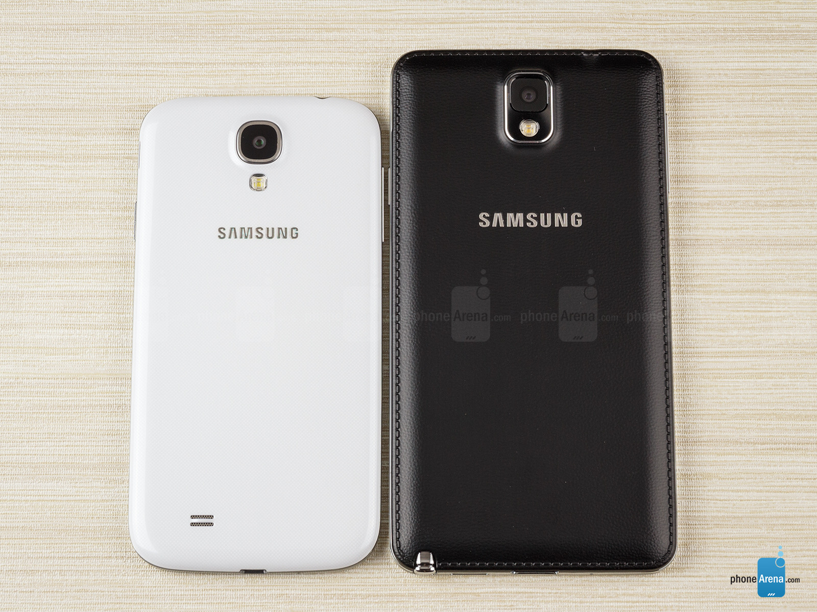 Samsung galaxy note 3 vs samsung galaxy s4 for Housse telephone samsung galaxy note 3