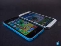 Apple-iPhone-5c-vs-Samsung-Galaxy-S4-Review005.jpg