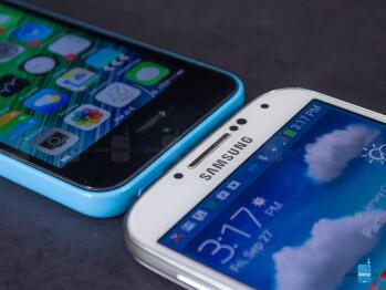 Apple iPhone 5c vs Samsung Galaxy S4