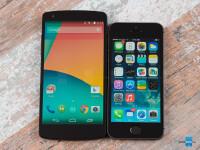 Google-Nexus-5-vs-Apple-iPhone-5s001