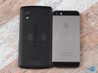 Google-Nexus-5-vs-Apple-iPhone-5s002