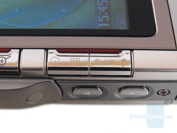 Self-timer and Flash keys - Left side - LG KG920 Review