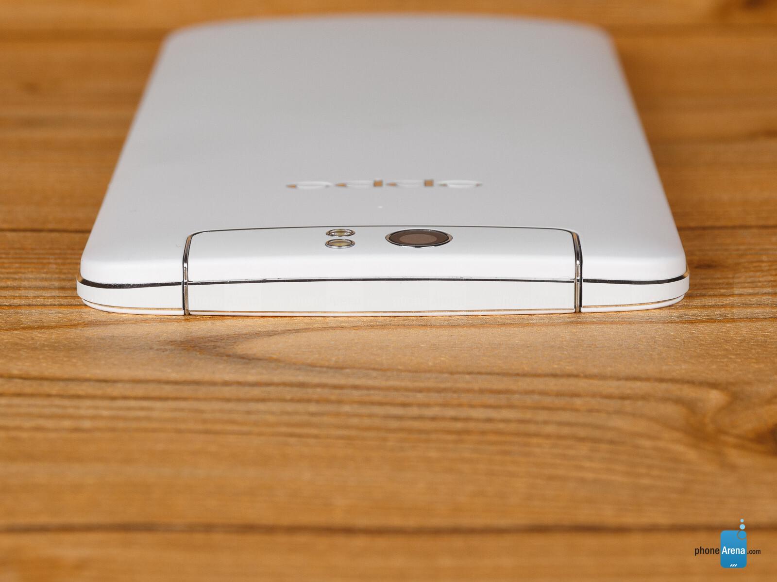 Đánh giá Oppo N1: Phablet, camera xoay, cảm biến mặt lưng