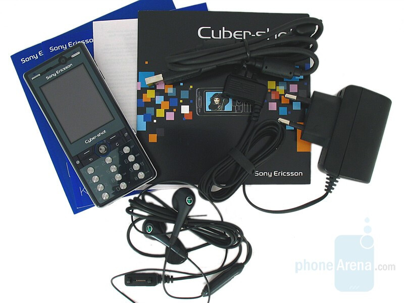 K810 Package content - Sony Ericsson K810 Review