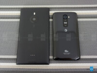 Nokia-Lumia-1520-vs-LG-G205