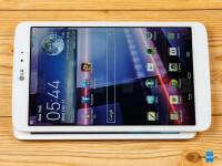 LG-G-Pad-8.3-vs-Apple-iPad-mini-2-with-Retina-Display007