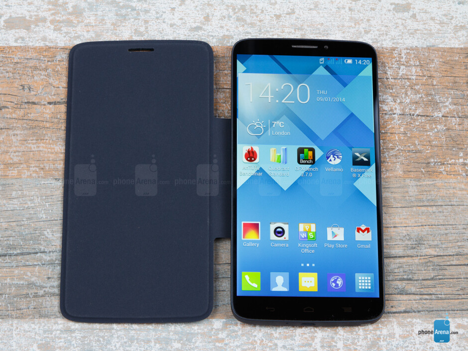 With the MagicFlip magnetic cover - Alcatel OneTouch Hero Review