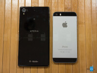 Sony-Xperia-Z1S-vs-Apple-iPhone-5s004