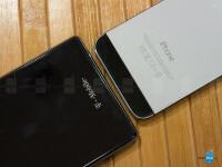 Sony-Xperia-Z1S-vs-Apple-iPhone-5s005