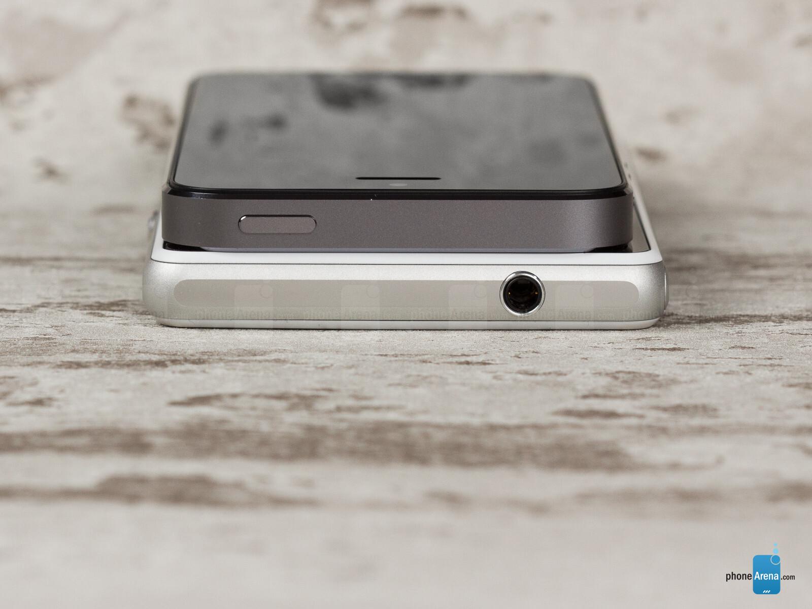 camera xperia z1 compact vs iphone 5s