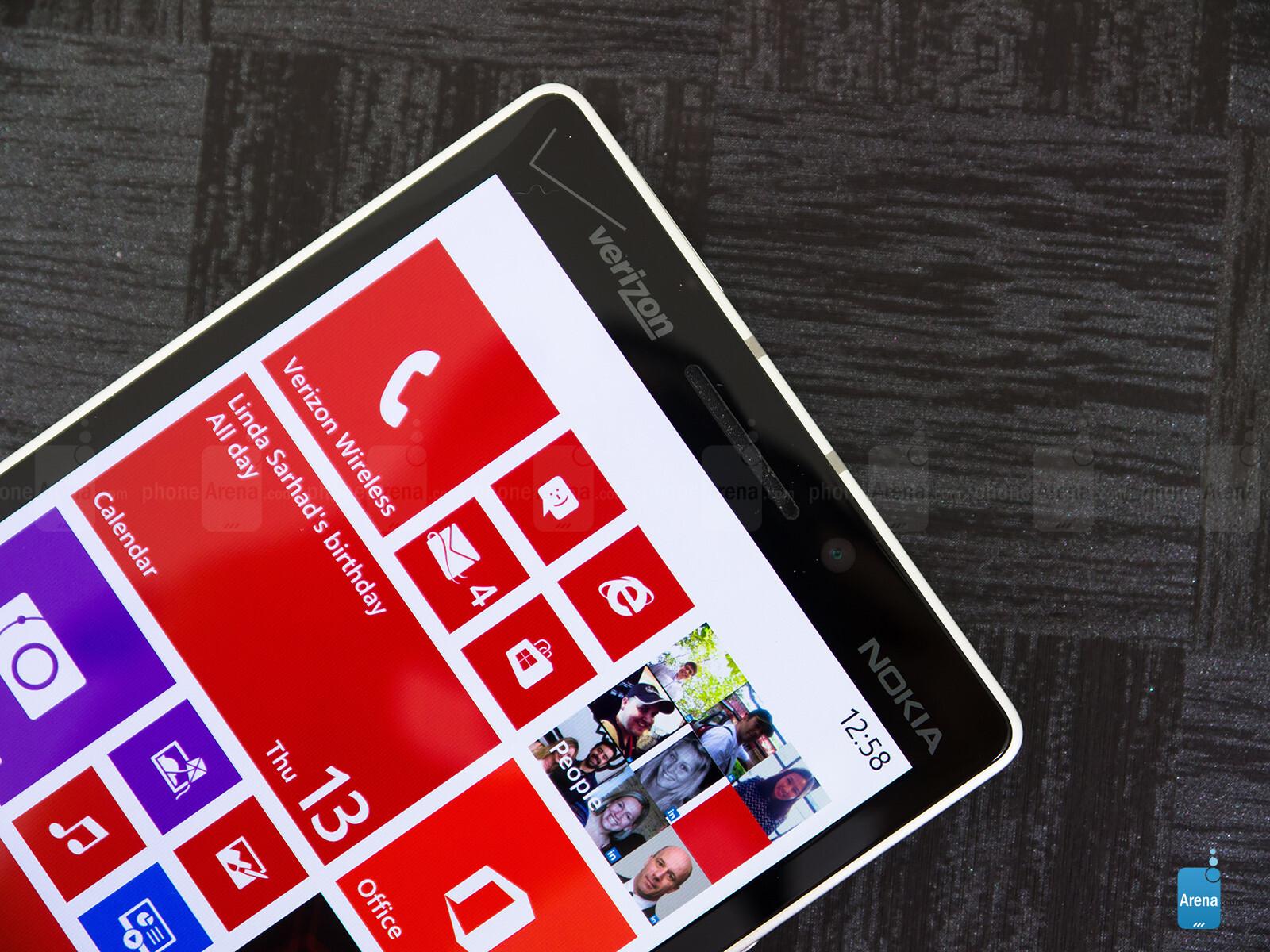 Sforum - Trang thông tin công nghệ mới nhất Nokia-Lumia-Icon-Review-004 Mở hộp Lumia Icon phiên bản nhà mạng Verizon