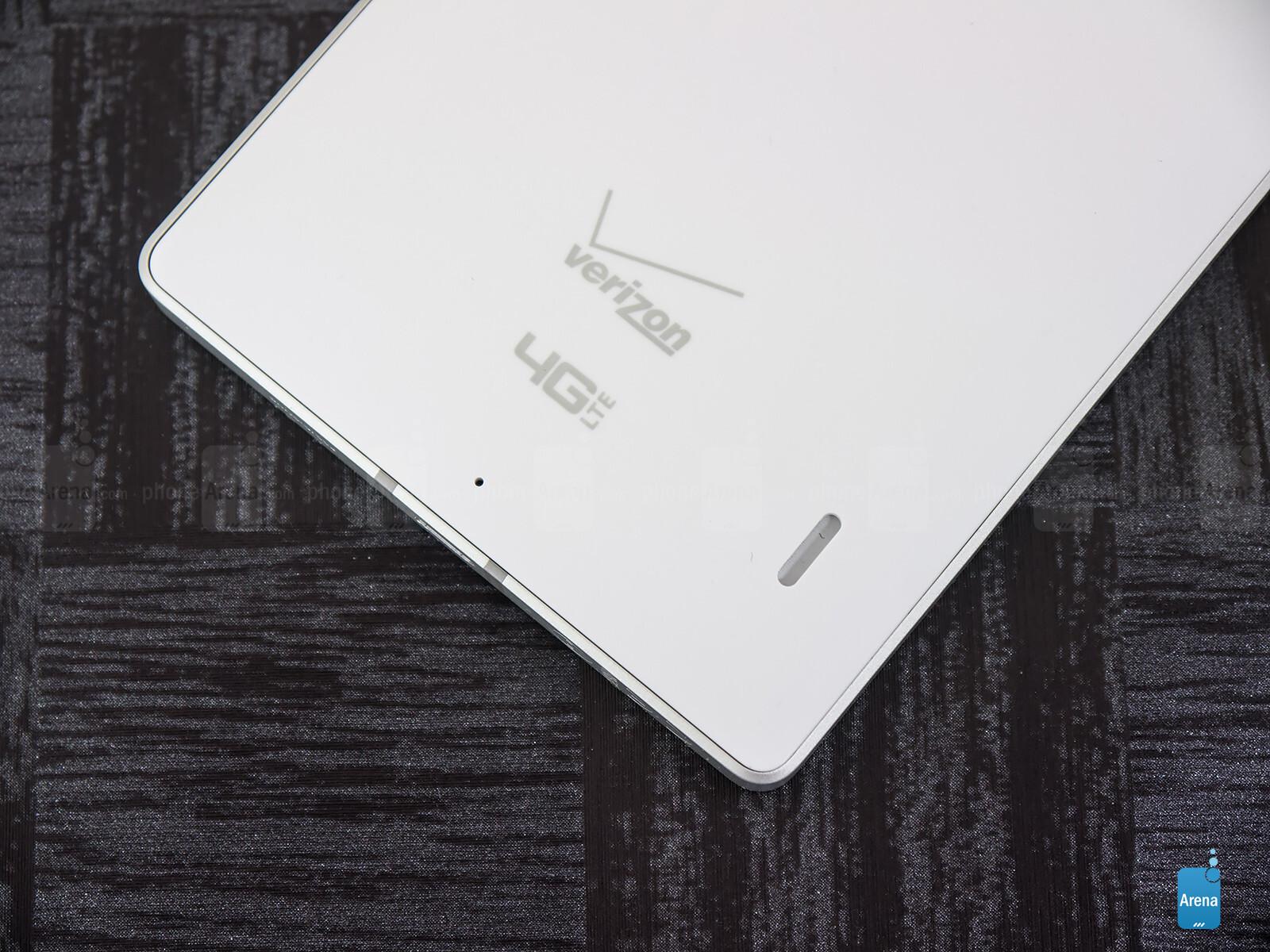 Sforum - Trang thông tin công nghệ mới nhất Nokia-Lumia-Icon-Review-009 Mở hộp Lumia Icon phiên bản nhà mạng Verizon