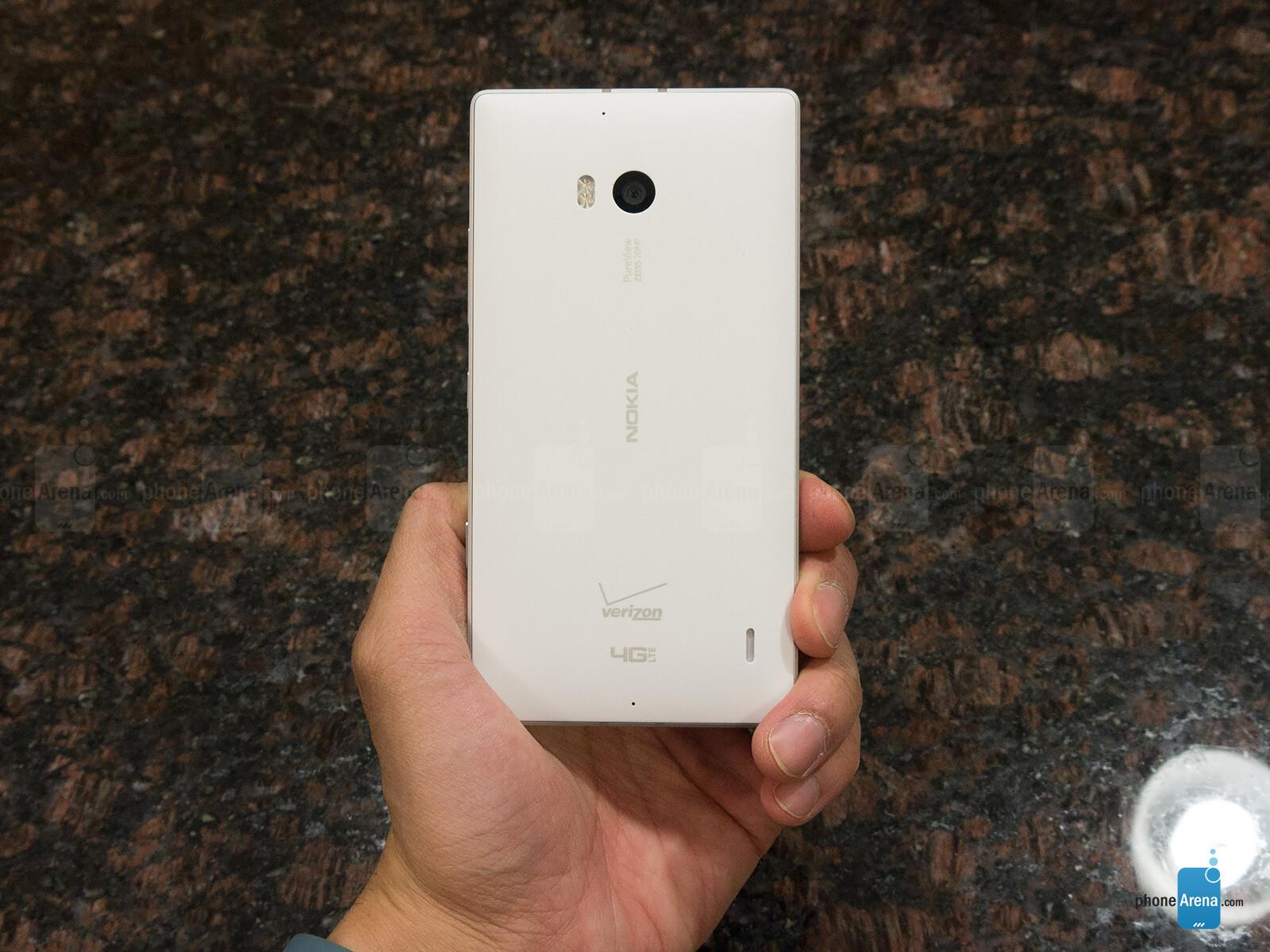 Sforum - Trang thông tin công nghệ mới nhất Nokia-Lumia-Icon-Review-023 Mở hộp Lumia Icon phiên bản nhà mạng Verizon