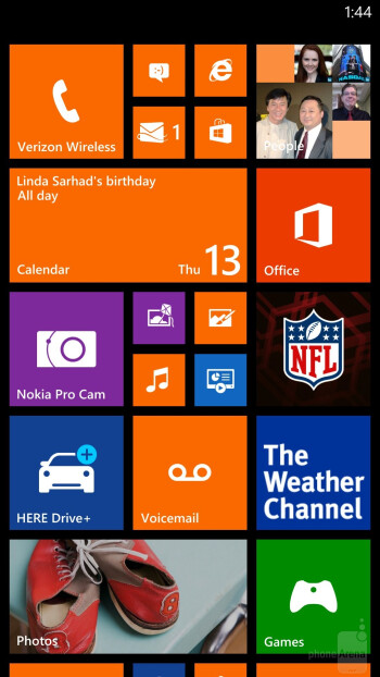Interface of the Nokia Lumia Icon - Nokia Lumia Icon vs Apple iPhone 5s