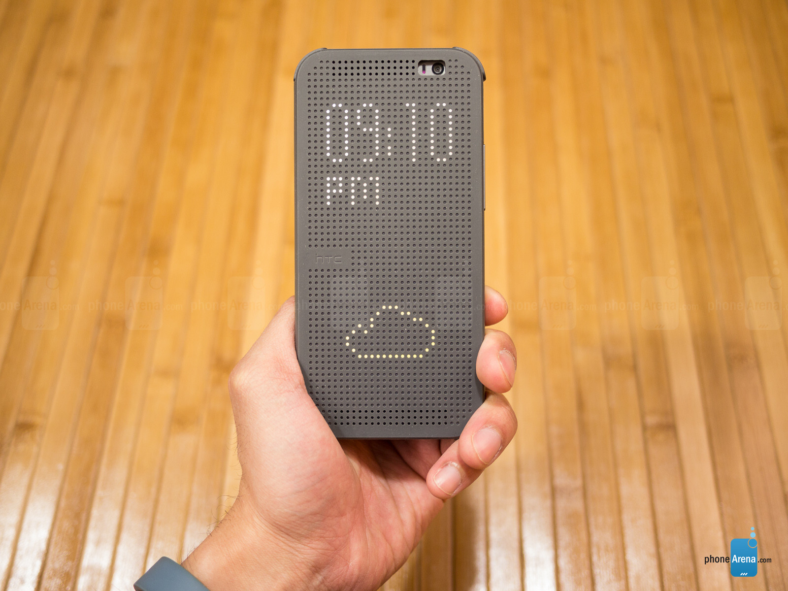 newest 38eda 58ea6 HTC One (M8) Dot View Case Review - PhoneArena
