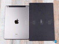 Sony-Xperia-Z2-Tablet-vs-Apple-iPad-Air002