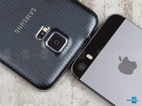 Samsung Galaxy S5 vs Apple iPhone 5S