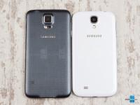 Samsung-Galaxy-S5-vs-Samsung-Galaxy-S402.jpg