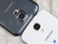 Samsung-Galaxy-S5-vs-Samsung-Galaxy-S403.jpg