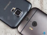 Samsung-Galaxy-S5-vs-HTC-One-M803.jpg