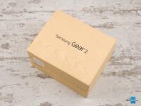 Samsung-Gear-2-Review001-box